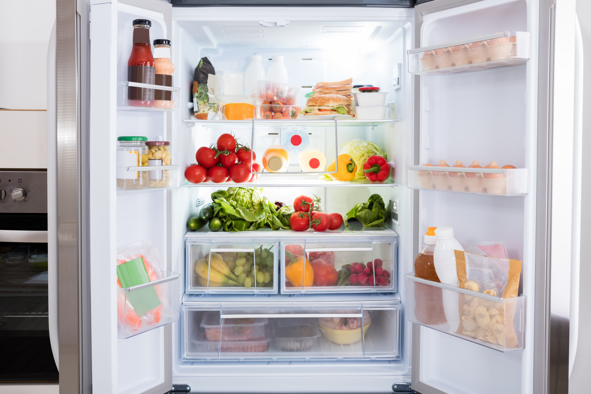 Freezing Out The Competition: What To Look For In The Perfect American Fridge Freezer